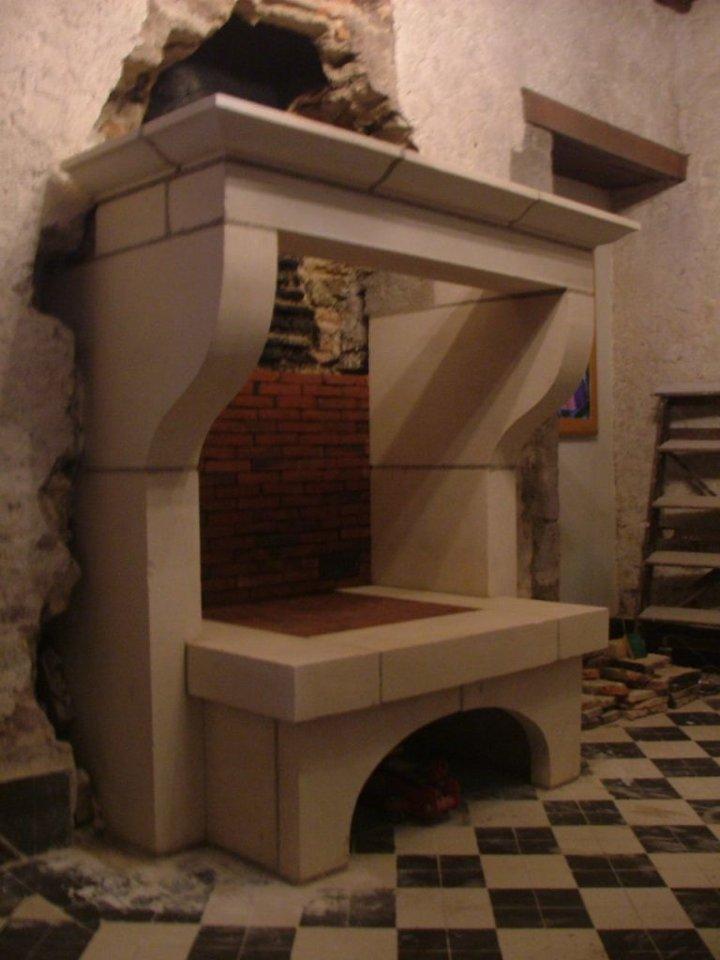 cr ation de chemin es en pierre pour la d coration int rieure. Black Bedroom Furniture Sets. Home Design Ideas